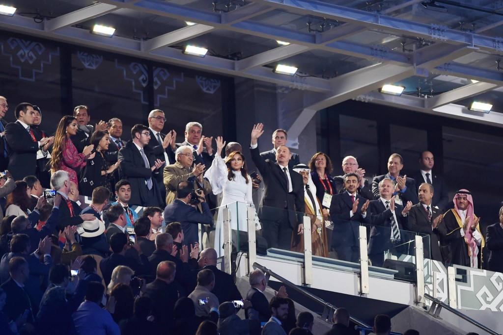 Patrick Hickey, third right, applauds as Azerbaijan President Ilham Aliyev waves during the Closing Ceremony of the 2017 Islamic Solidarity Games at the Baku National Stadium ©Facebook/Ilham Aliyev