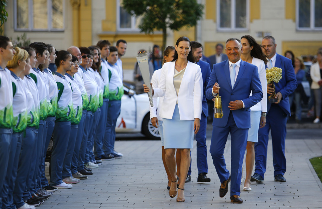 Györ 2017 European Youth Olympic Festival flame arrives in host city