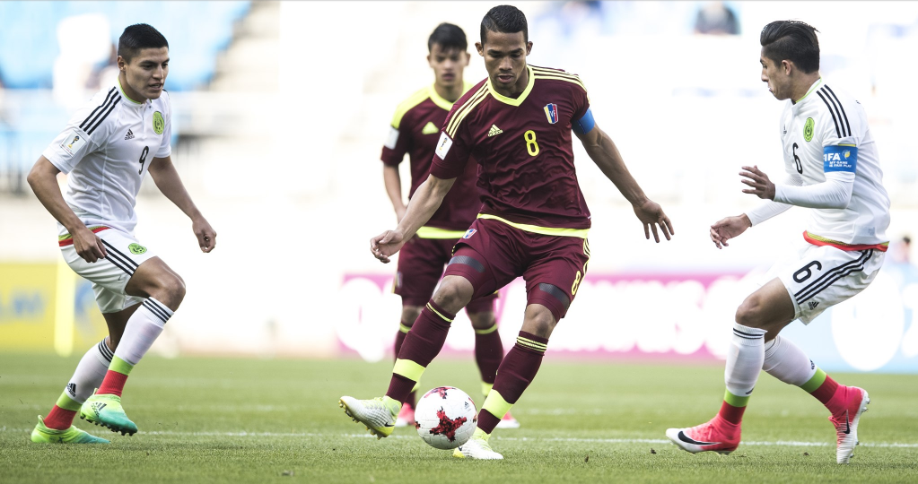 Venezuela guaranteed first place in Group B with a 1-0 win over Mexico ©Getty Images