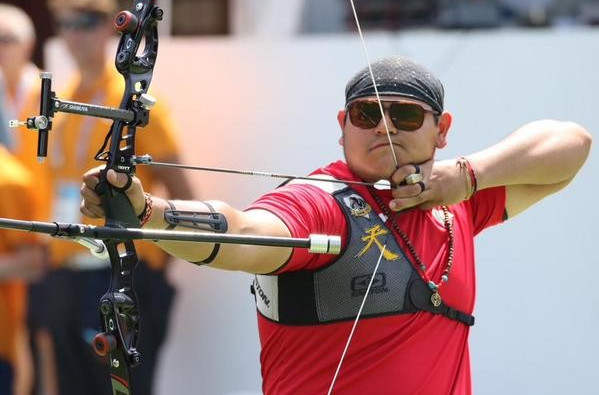 Luis Alvarez held his nerve to claim the men's archery title ©Mexican Olympic Committee