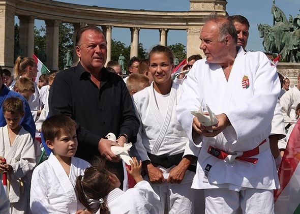 A special event was held in Budapest to promote the upcoming World Judo Championships ©IJF