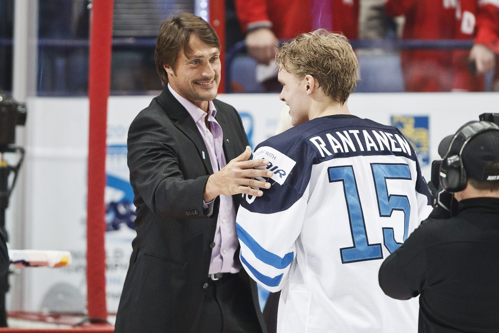Teemu Selanne, left, said it would be a disappointment not to have NHL players appear at future Winter Olympics ©Getty Images