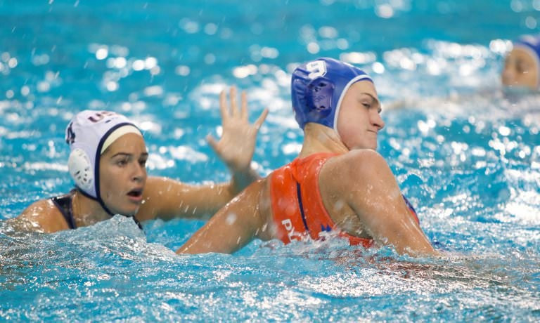 United States win opener at FINA Women's World League Super Final