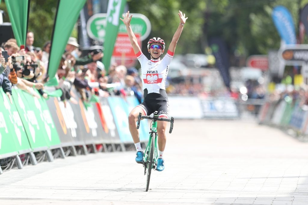 Katarzyna Niewiadoma seals victory on opening stage of Women's Tour