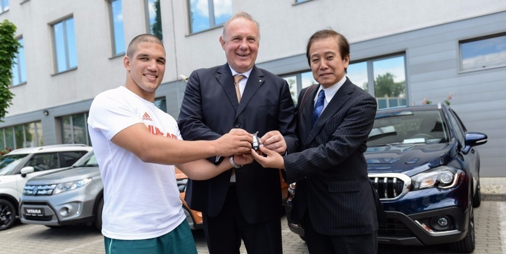 As part of the agreement, seven Suzuki vehicles have been provided to Hungarian judokas ©IJF