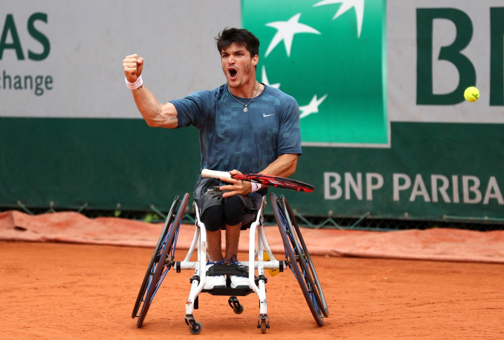 Fernández moves to within one victory of regaining French Open wheelchair tennis crown