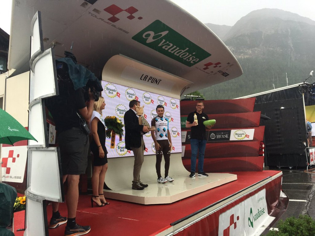 Pozzovivo takes leader's jersey after winning sixth stage of Tour de Suisse