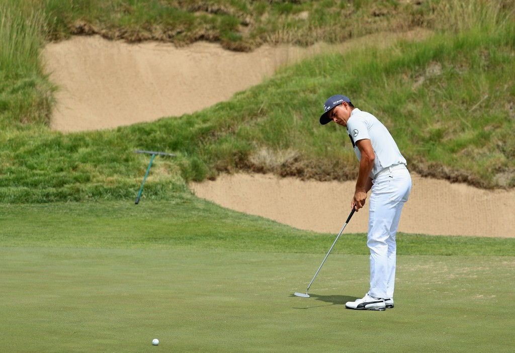Fowler leads US Open after sensational first round