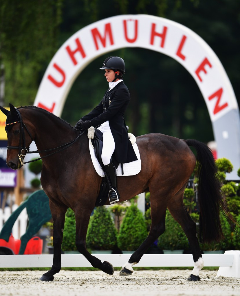 Hoy takes over lead at Luhmuhlen Horse Trials