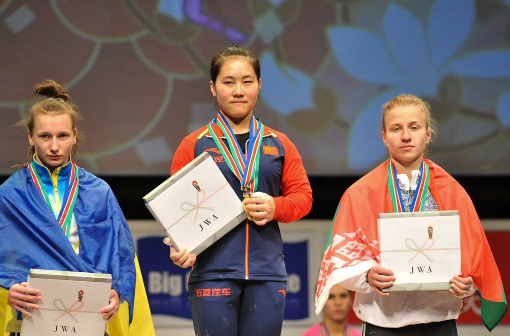 Zhu Qiaoling came out on top in the women's 53kg category ©IWF/Facebook