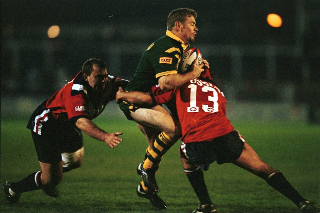 Russia, red, played in the Rugby League World Cup in 2000 ©Getty Images
