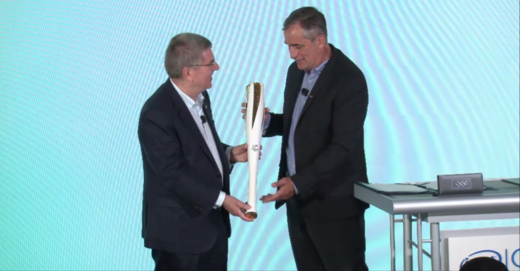 IOC President Thomas Bach invited Intel chief executive Brian Krzanich to be a Pyeongchang 2018 Torchbearer ©Intel