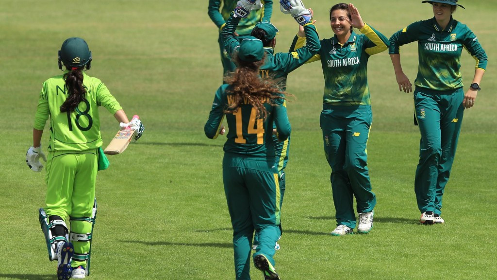 South Africa hold off Pakistan at ICC Women's World Cup