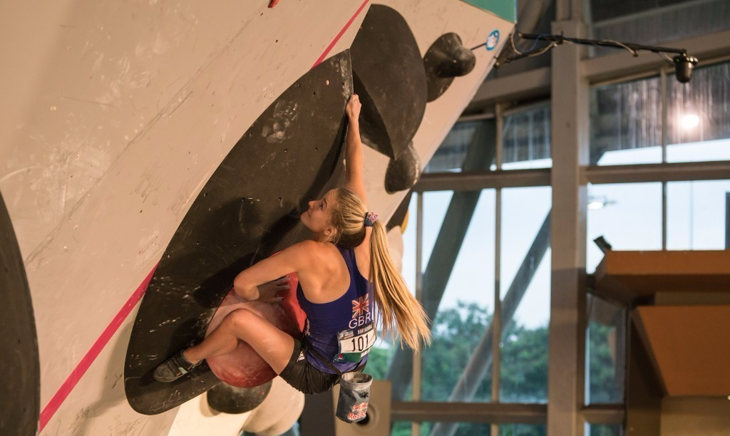 Coxsey retains IFSC Bouldering World Cup title with flourish in Mumbai