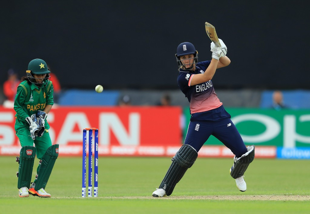 England comfortably beat Pakistan at ICC Women's World Cup
