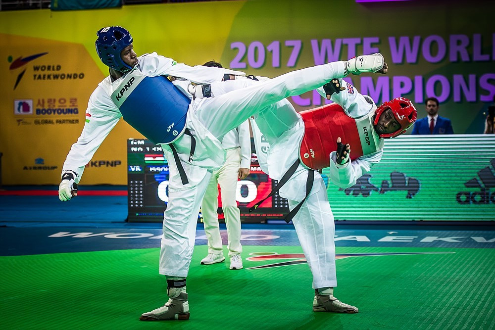 Niger's Abdoul Issoufou defeated Great Britain's Mahama Cho in the men's over 87kg final ©World Taekwondo