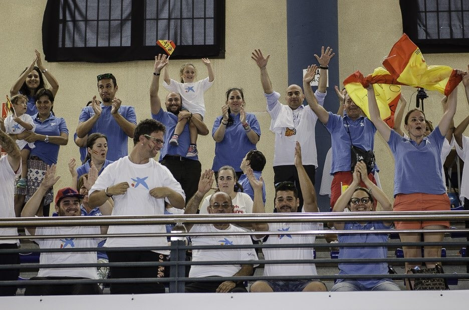 Spanish fans applaud their team's win over Poland at the IWBF European Championships n Tenerife ©EuroWB2017
