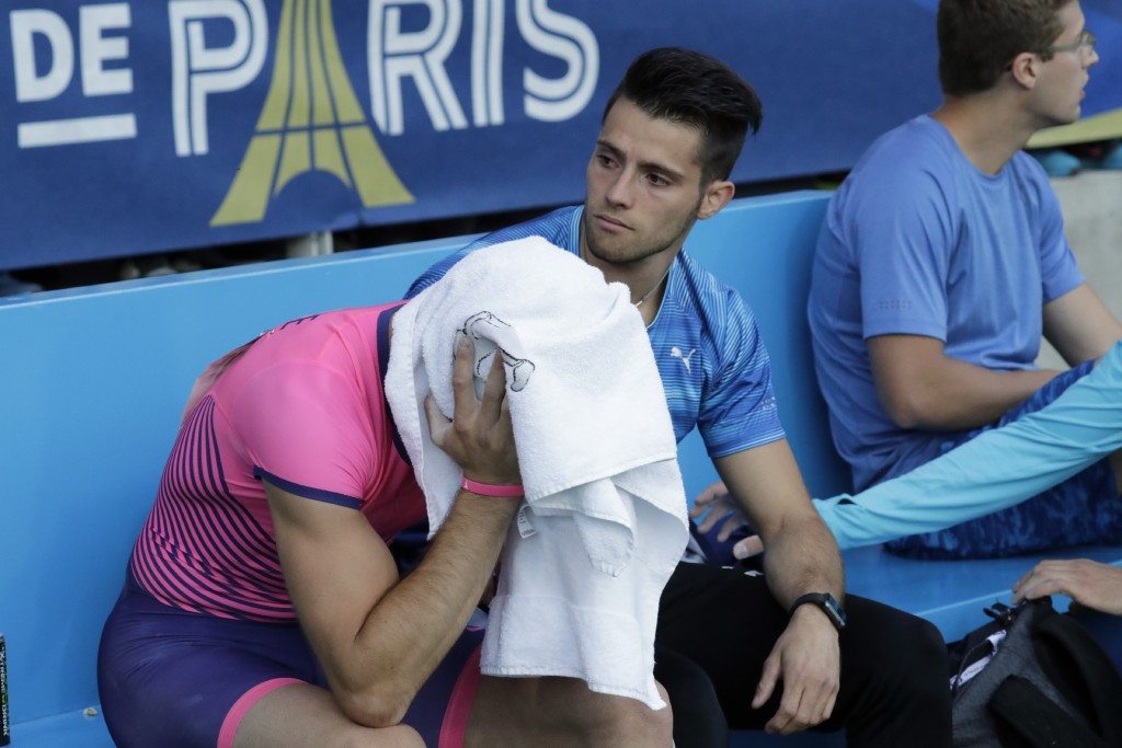 Renaud Lavillenie shows his frustration in defeat in Paris ©Getty Images