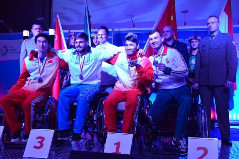 Chinese fencer Chen Yijun took home the men's sabre A title ©Monika Dąbrowska/Integration Sports Club AWF Warsaw