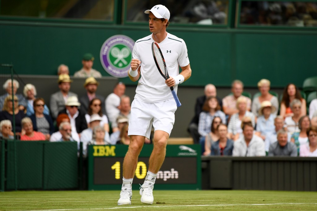 Murray eases fitness worries with dominant opening Wimbledon performance