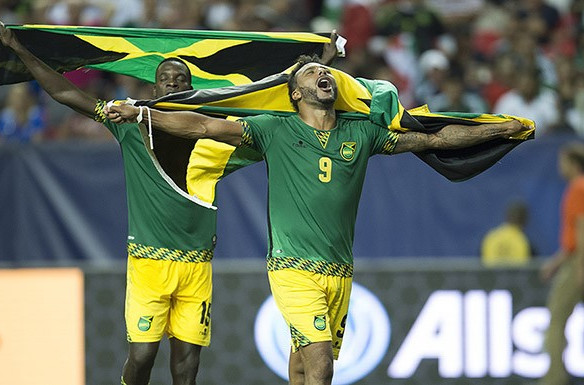 Jamaica celebrate after their stunning win over the US ©CONCACAF