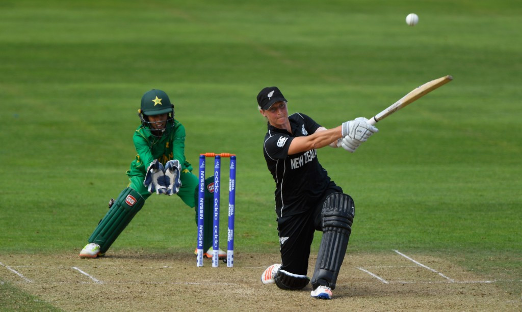 Devine smashes New Zealand to emphatic win at ICC Women's World Cup