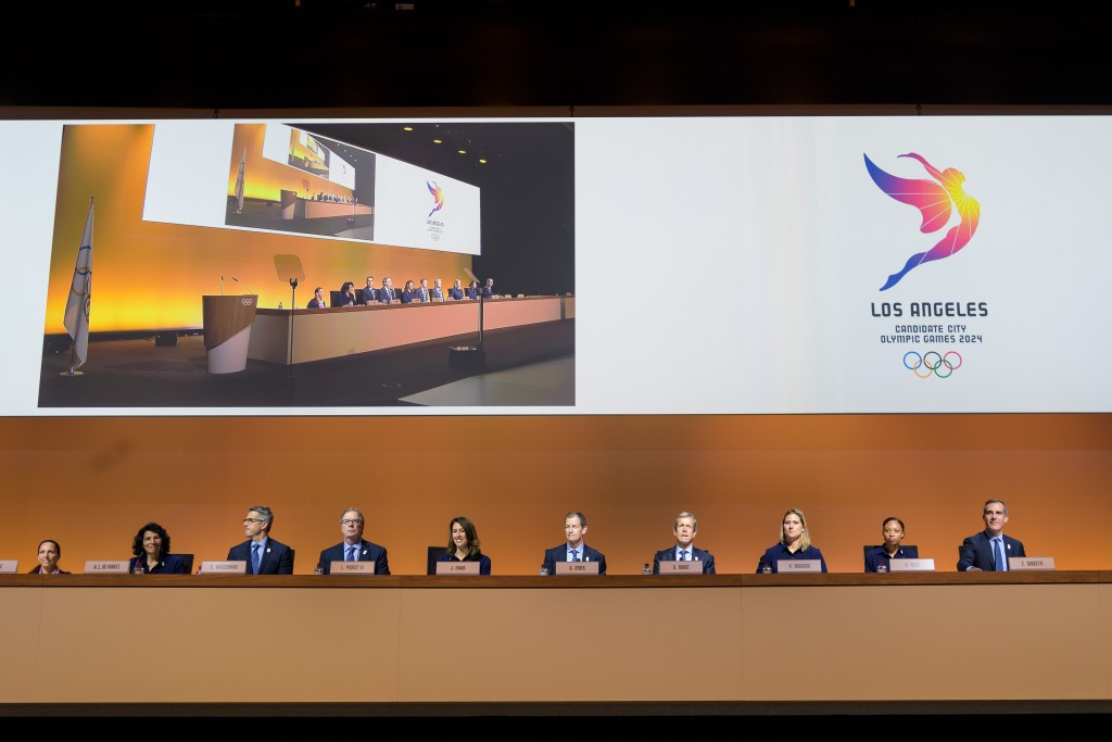 Los Angeles 2024 pictured presenting to the IOC ©Getty Images