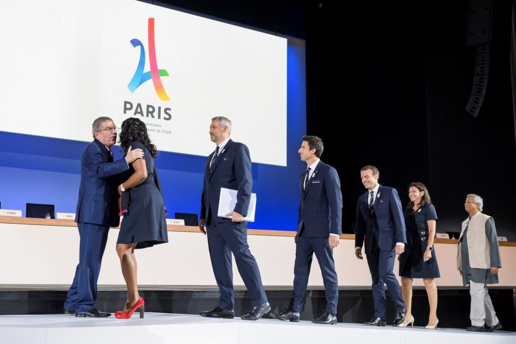 Thomas Bach greets the Paris 2024 bid team before their presentation ©Getty Images