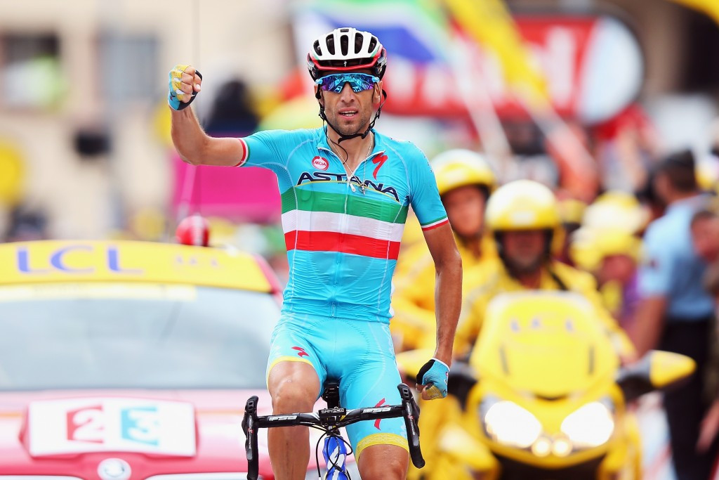 Defending champion Nibali claims Tour de France stage 19 as Froome suffers setback