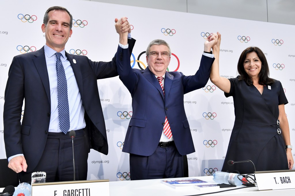 The decision by the IOC to award the 2024 and 2028 Olympics together was celebrated by its President Thomas Bach, centre, and Eric Garcetti and Anne Hidalgo, the Mayors of Los Angeles and Paris respectively ©IOC