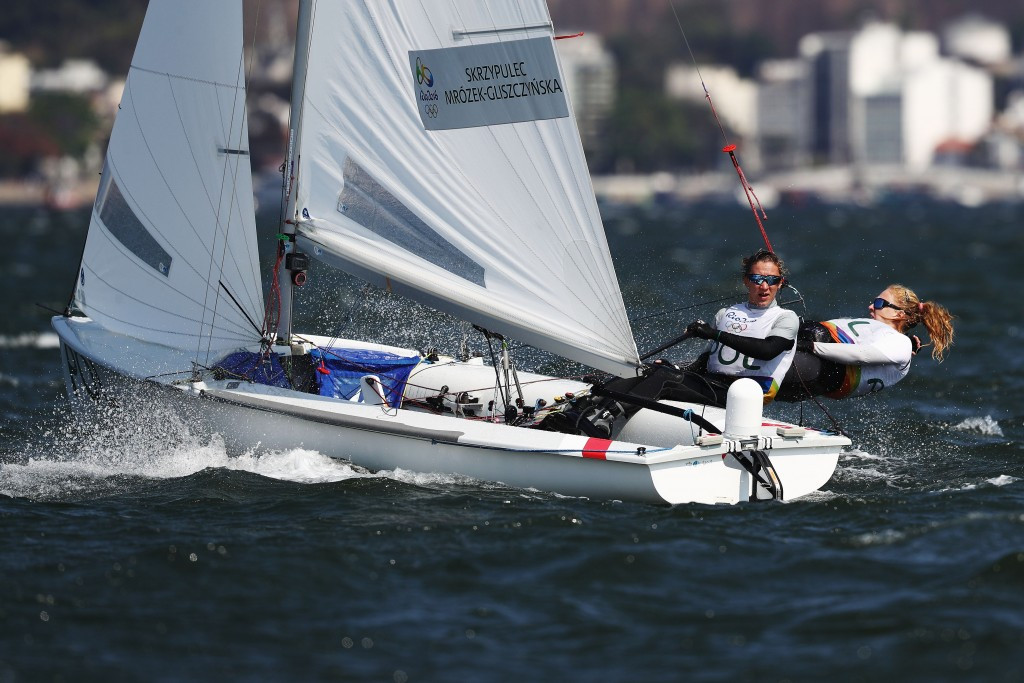 Skrzypulec and Mrozek take lead at 470 World Championships