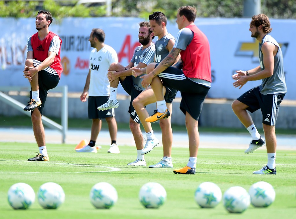 Manchester United pictured training at UCLA's Drake Stadium ©Getty Images