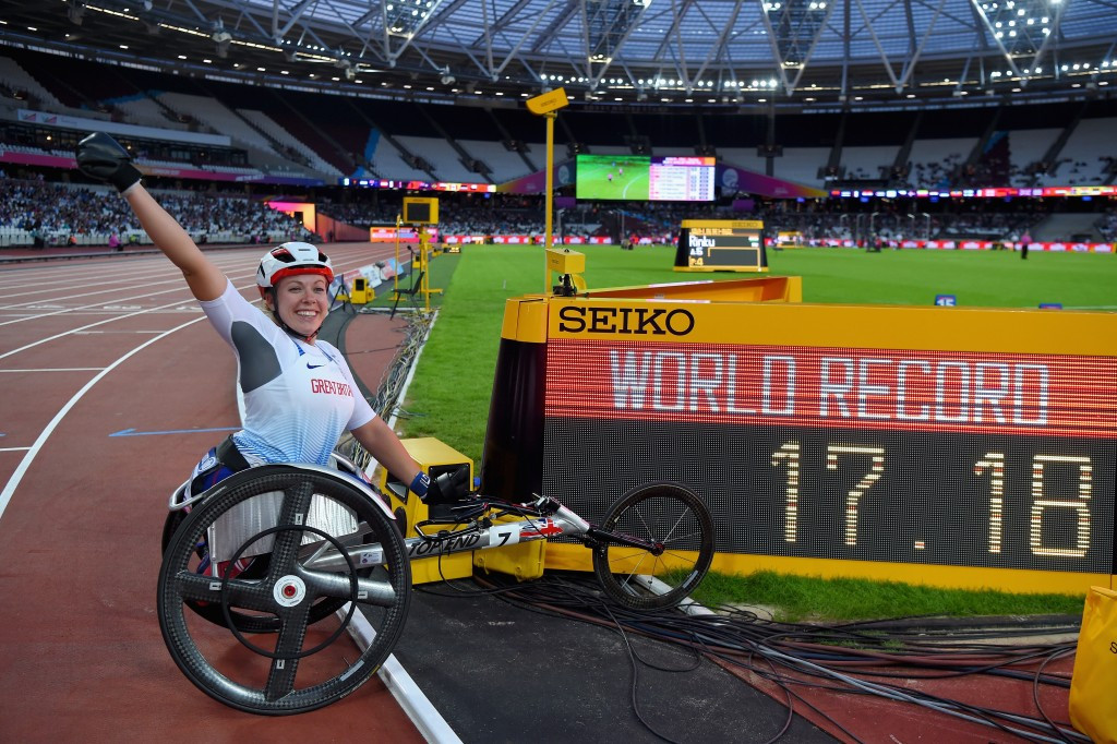 Hannah Cockroft starts London's Para athletics party with world record