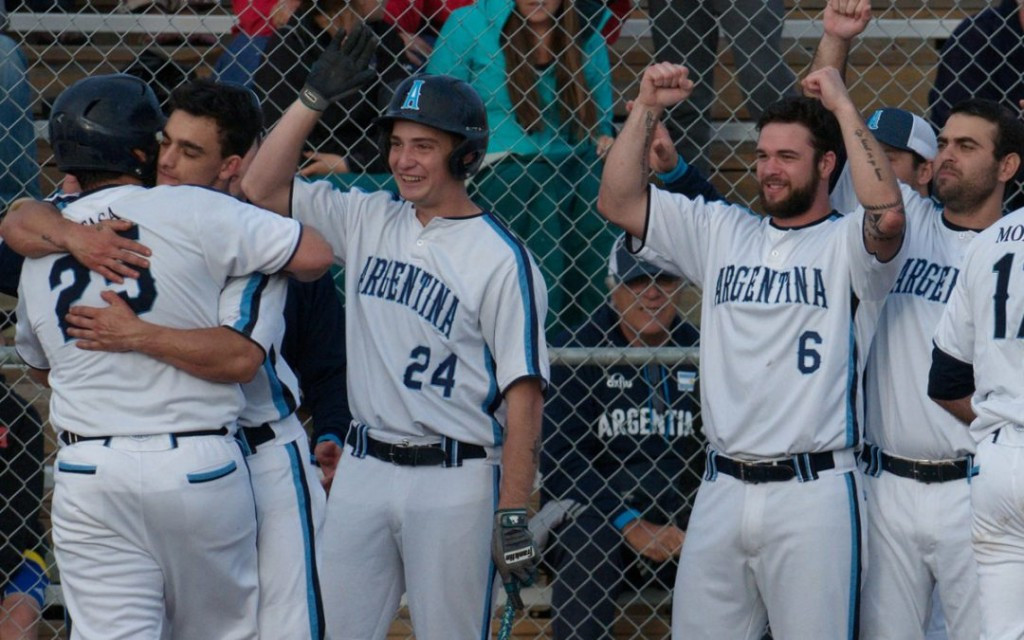 Six nations still in medal contention at Men's Softball World Championship