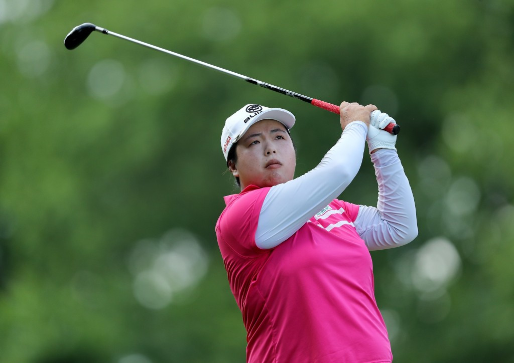 Feng continues to Trump field