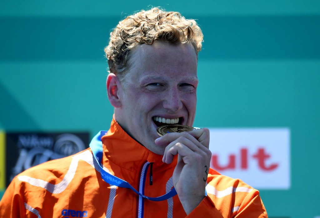 Ferry Weertman celebrates winning 10km open water swimming gold ©Getty Images