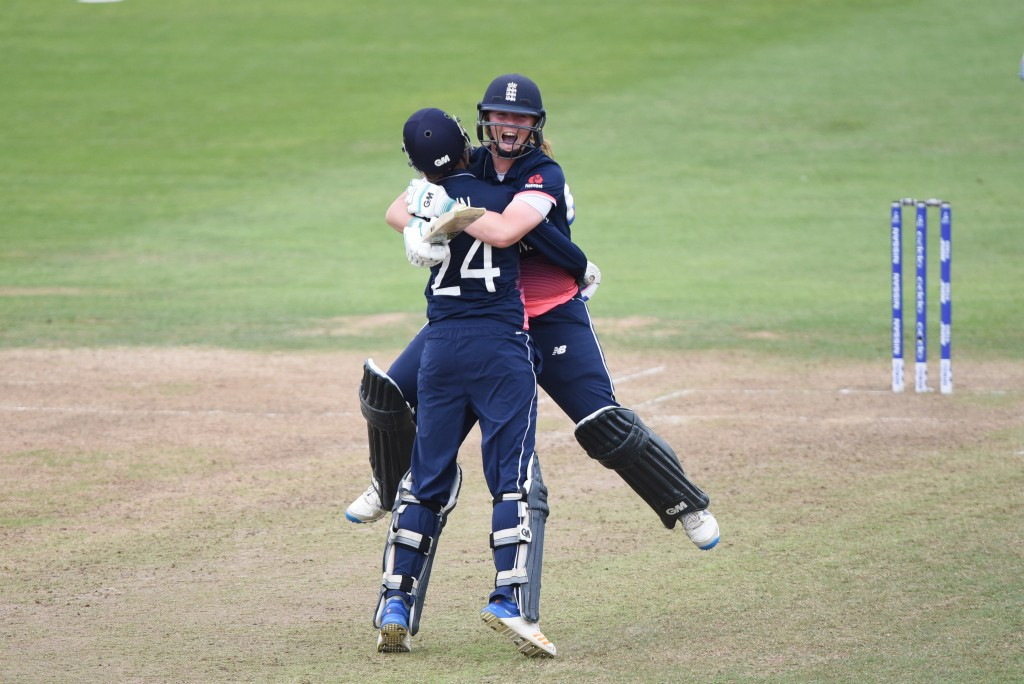 Anya Shrubsole celebrates with Jenny Gunn after hitting the winning runs for England ©Getty Images