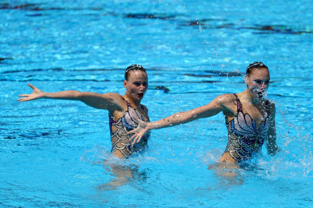 Svetlana Kolesnichenko and Alexandra Patskevich won the women's duet final in synchronised swimming ©Getty Images