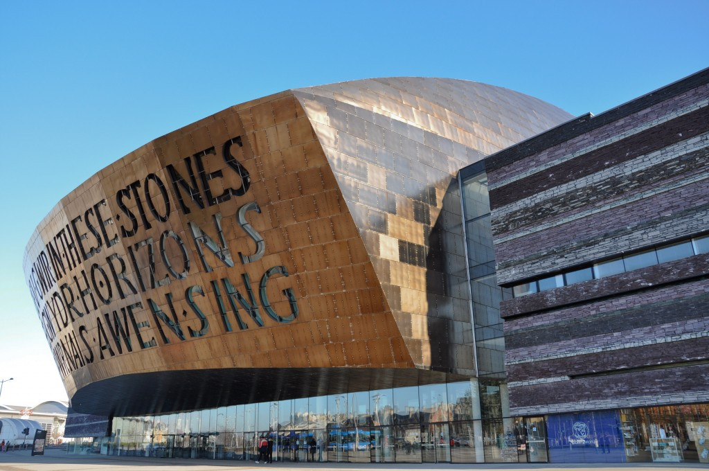 Cardiff to study economic impact of Glasgow 2014 before decision on Commonwealth Games bid for 2026