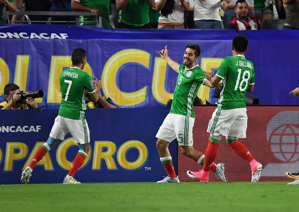 Rodolfo Pizarro, centre, scored the only goal in Mexico's win over Honduras ©Getty Images