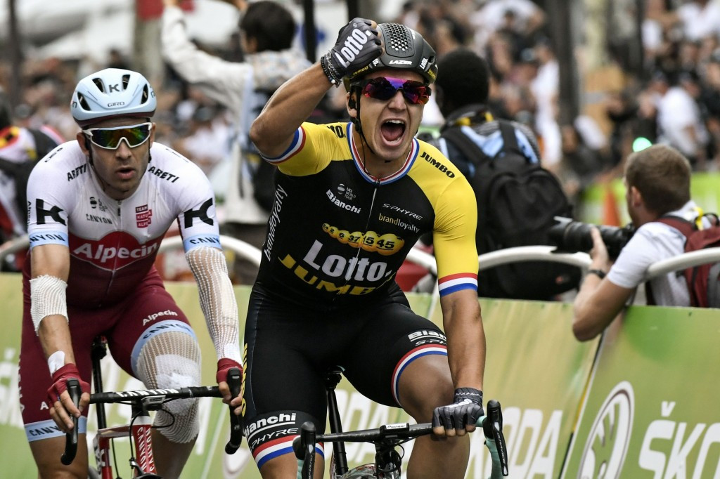 Dylan Groenewegen became the first Dutch rider since 1988 to win on the Champs-Elysées ©Getty Images
