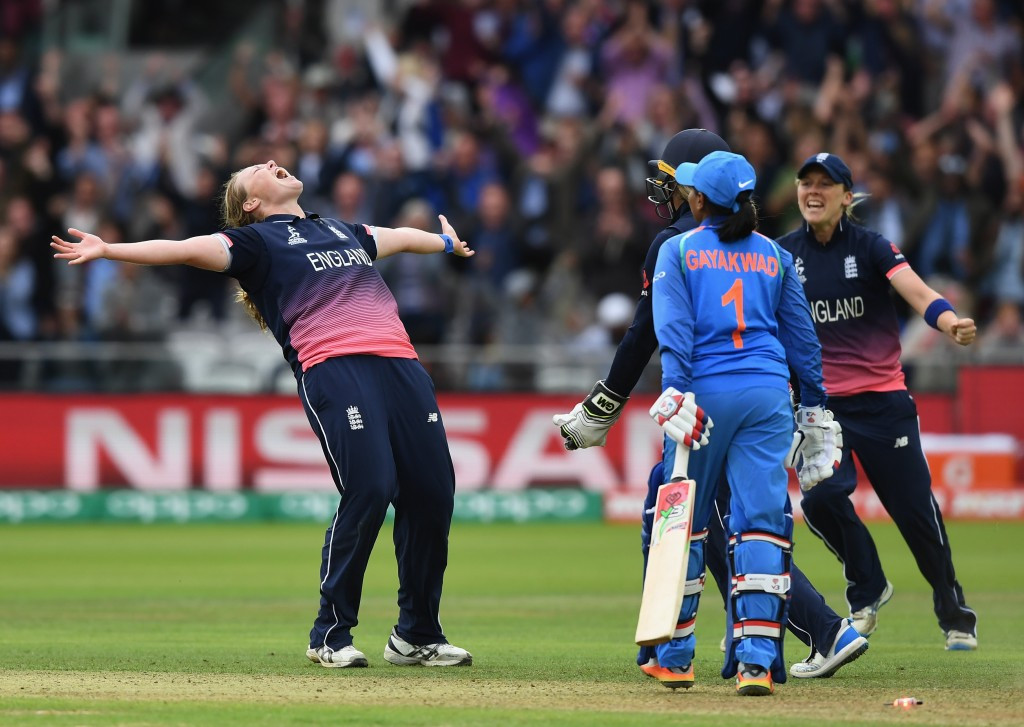 Anya Shrubsole celebrates taking the match-sealing wicket ©Getty Images