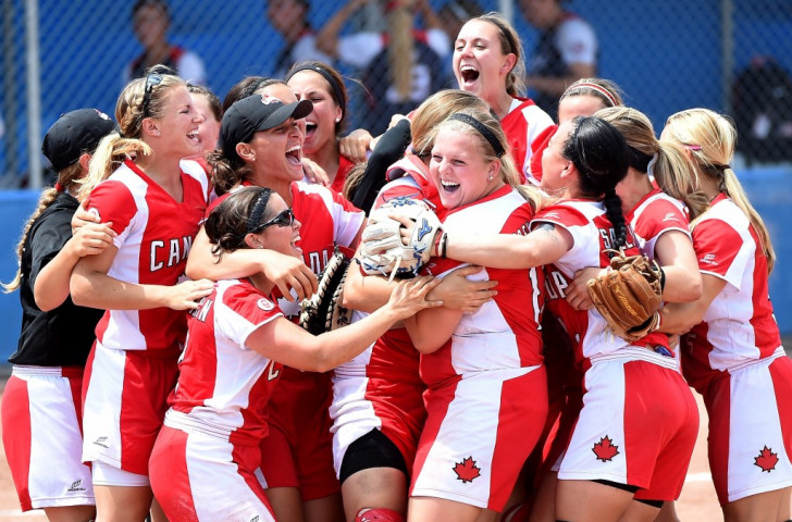 Argentina men's volleyball team win final Toronto 2015 gold as Canada shock United States in softball
