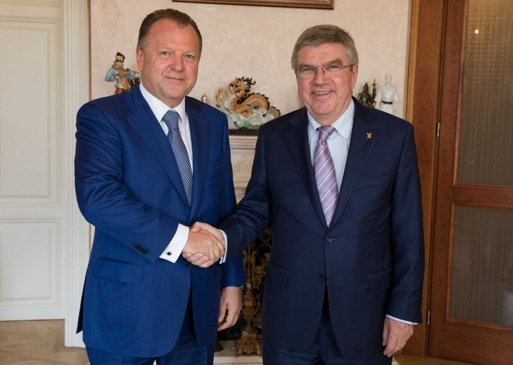 Marius Vizer, left, met with IOC President Thomas Bach at the IJF offices in Budapest ©IOC
