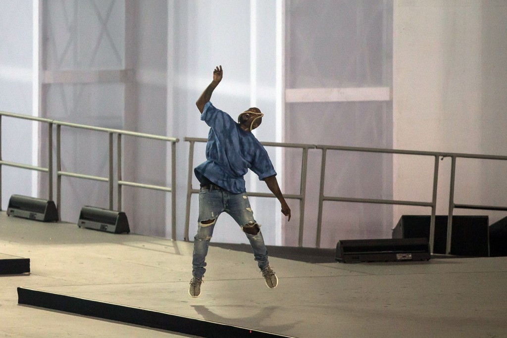 Confusion over whether Kanye West runaway at end of Toronto 2015 or if it was technical malfunction