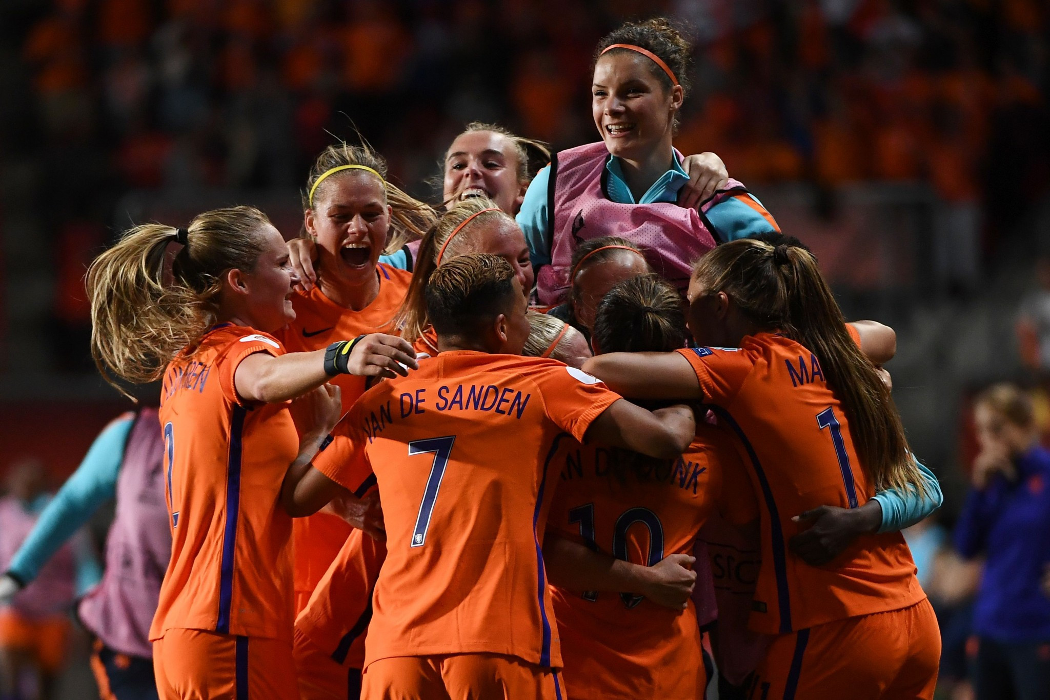 Dutch hosts through to final of UEFA Women's European Championships