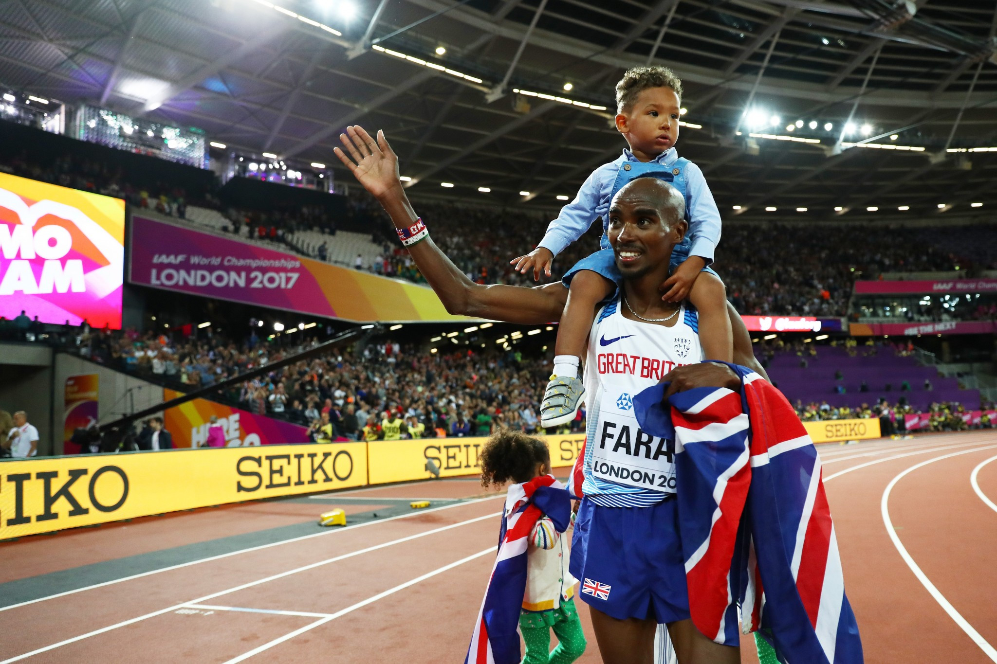Mo Farah enthrals London crowd once more to cement his legacy