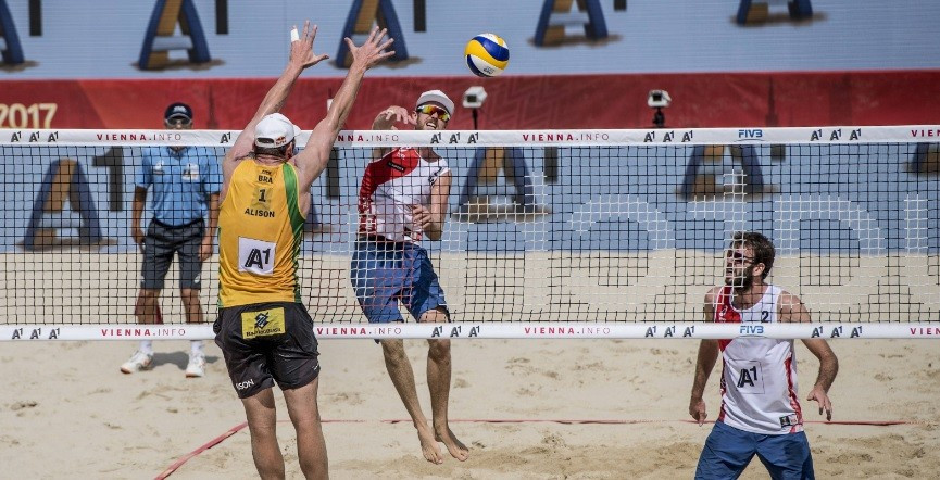 Canadian pair stun defending champions at FIVB Beach Volleyball World Championships