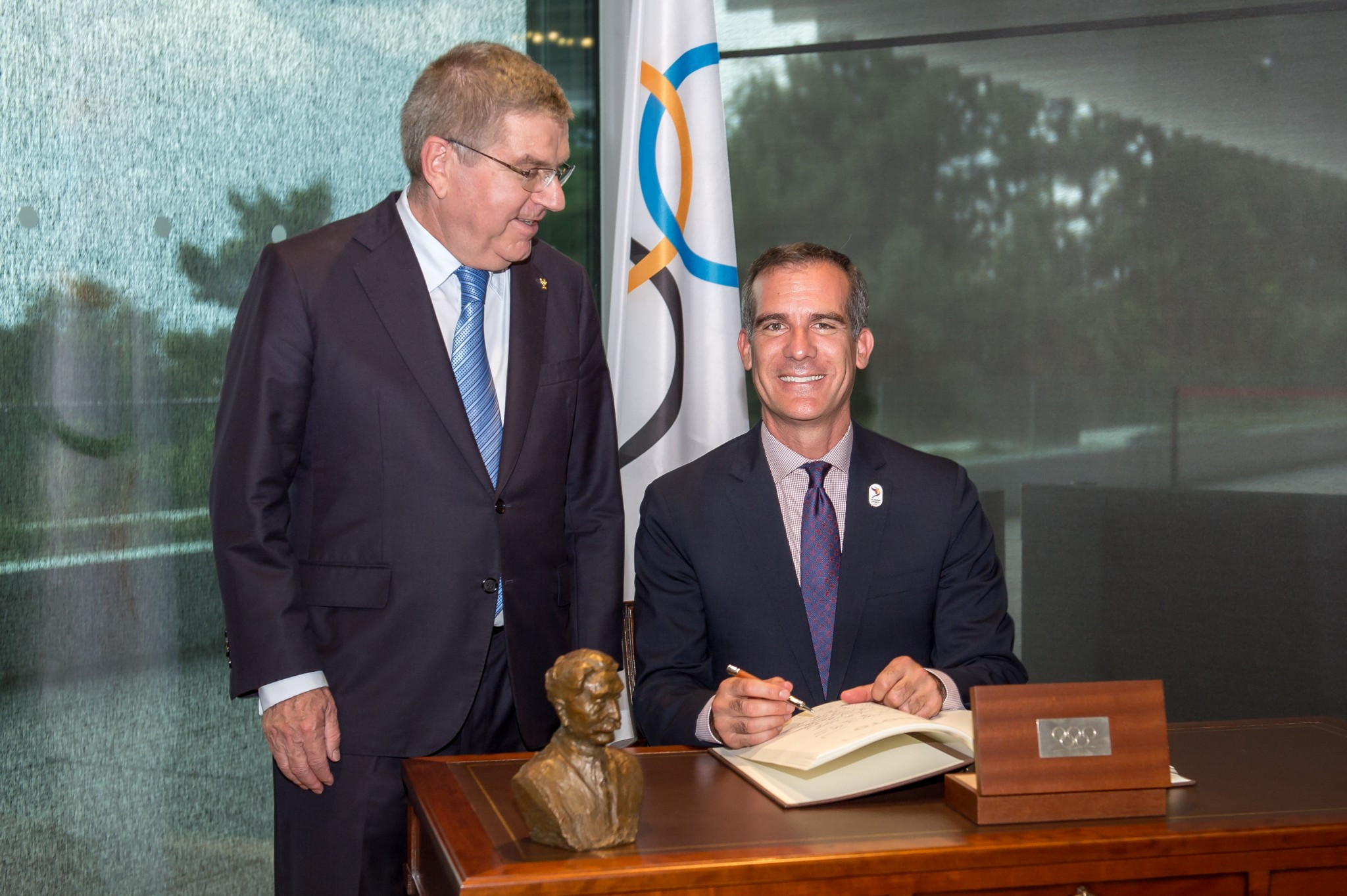 Negotiations took place between the IOC-led Thomas Bach and the Eric Garcetti spearheaded Los Angeles bid ©Getty Images