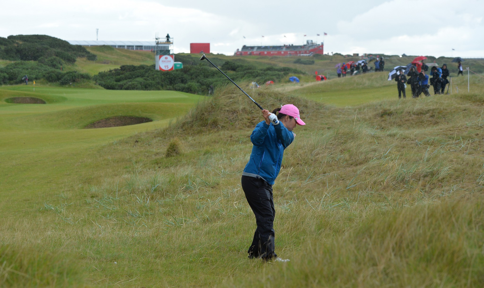 Kim on verge of maiden major success at Women's British Open